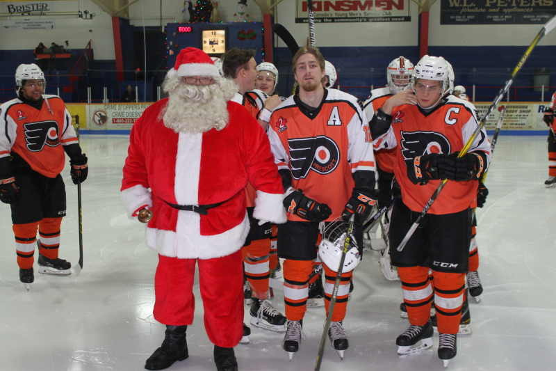 Santa brings Flyers three points for Christmas